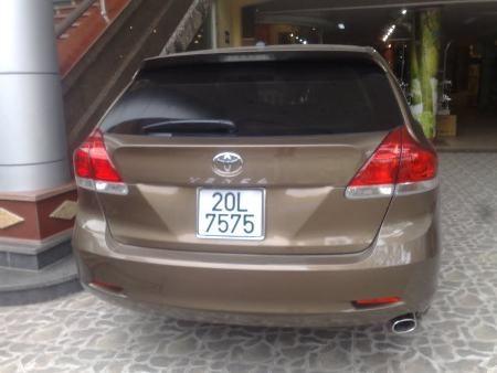 Toyota Venza - mẫu xe từng một thời gây sốt trên thị trường xe nhập - mang biển lặp