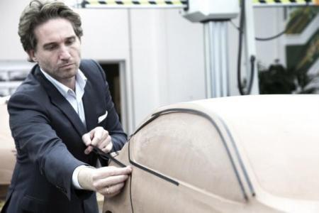 """Nhà thiết kế Martin Uhlarik người Ý tới đây sẽ """"cắm chốt"""" tại trung tâm thiết kế của SAIC ở châu Âu"""