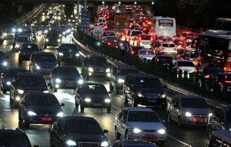 Hình ảnh tắc nghẽn giao thông thường thấy ở Bắc Kinh vào giờ cao điểm