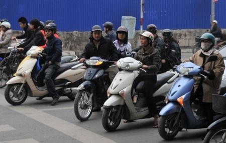 """Hà Tĩnh tiên phong thu """"thuế đường"""" xe máy"""