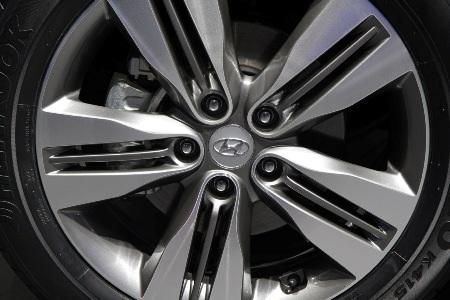 Bộ bánh xe cũng có những chi tiết thiết kế mới
