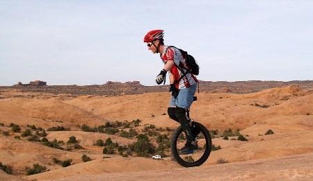 Kris Holm ở Mông Cổ - Ảnh: Carters News Agency