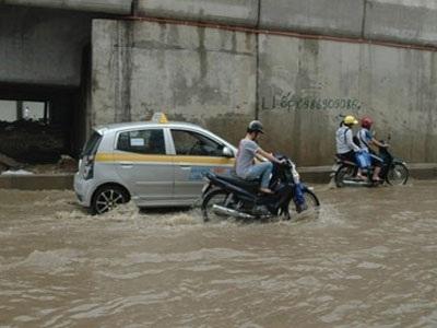 Trời mưa tai nạn tăng 20%