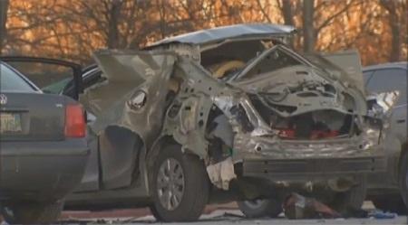 Xe Civic phát nổ sau khi được mở cốp từ xa