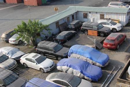 Xe ô tô Việt kiều tại cảng VICT TP.Hồ Chí Minh (Ảnh: T.H)