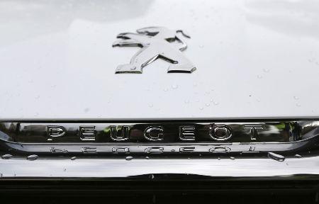 Peugeot là nhà sản xuất ô tô lớn thứ hai của châu Âu, có thâm niên 118 năm (Ảnh: Bloomberg)