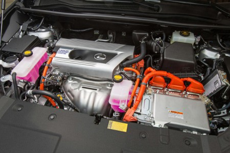 Lộ diện mẫu crossover mới của Lexus