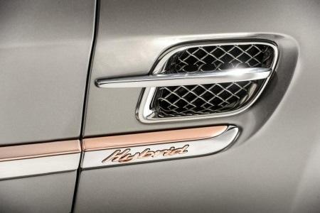 Lộ diện mẫu xe hybrid của Bentley