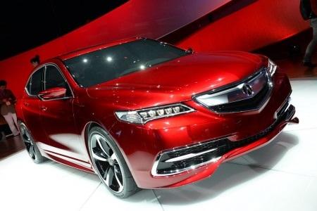 Xe Acura TLX được trang bị hai phiên bản động cơ: V6 3.5L và I4 2.4L.