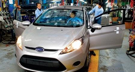 Giảm thuế tiêu thụ đặc biệt sẽ giúp giảm được giá trị xe cỡ 25-50 triệu đồng (tùy loại xe).