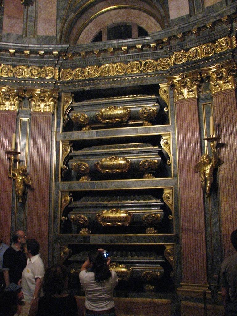 Một số hình ảnh khác chụp tại khu lăng mộ Hoàng gia Tây Ban Nha