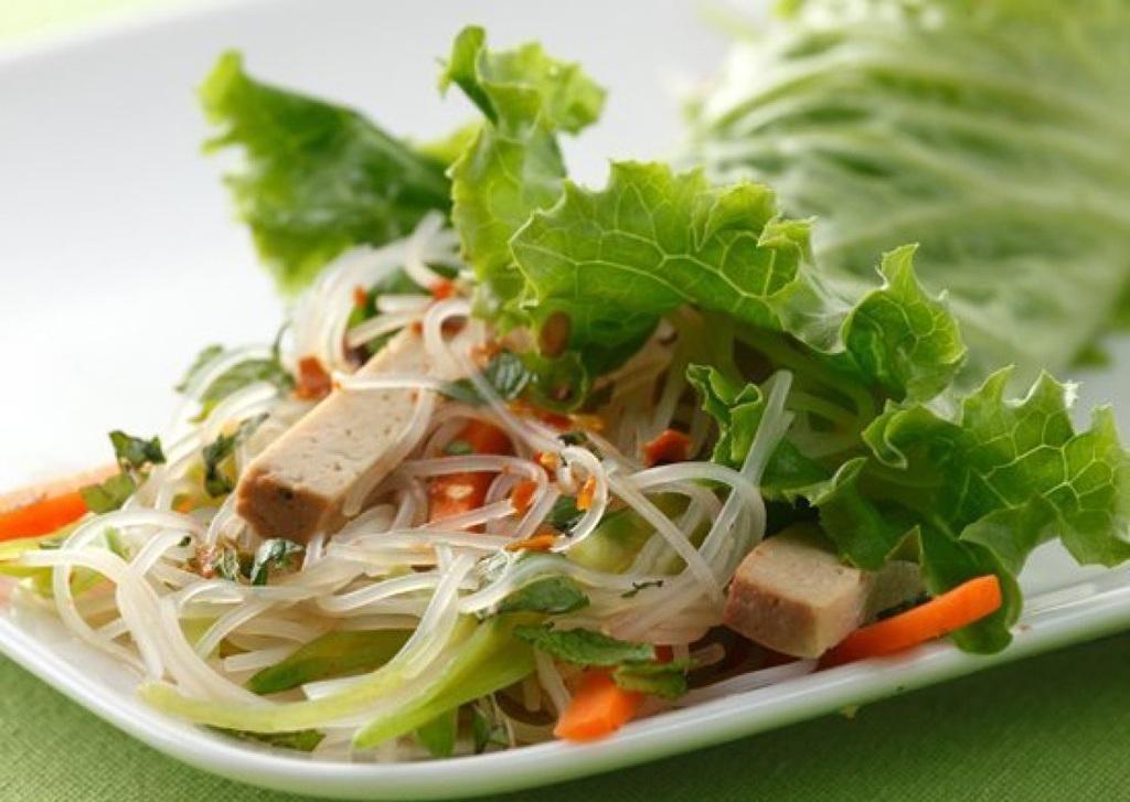 Báo Anh ca ngợi ẩm thực Việt có lợi cho sức khỏe