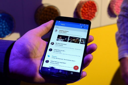 """Android tiếp tục """"bất khả chiến bại"""" trên thị trường smartphone"""