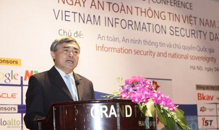 Thứ trưởng Bộ Thông tin & Truyền thông (TT&TT) Nguyễn Minh Hồng phát biểu khai mạc sự kiện.