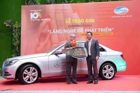 Viettel trao giải xe hơi Mercesdes cho khách hàng góp ý cải tiến dịch vụ