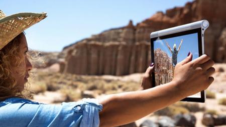 YOGA Tablet 2 Pro giúp mang lại những giây phút giải trí tuyệt vời.