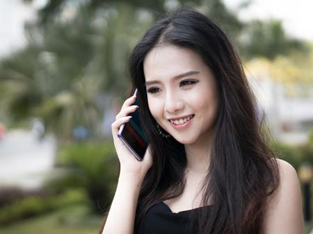 Điện thoại thông minh ngày càng phổ biến trong đời sống