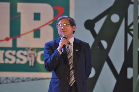 Ông Bùi Quang Ngọc, Tổng Giám đốc FPT, phát biểu tại lễ tổng kết năm 2014 của FPT Software.