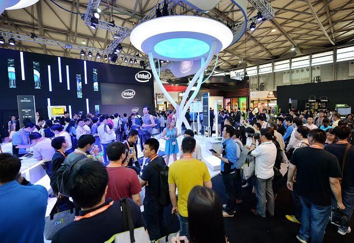 Thiết bị thông minh, thiết bị kết nối Internet là xu hướng chủ đạo tại CES Asia 2015.