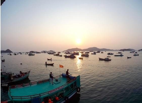 Ống kính 16MP của HTC RE bảo đảm chất lượng ảnh rất đẹp, trong nhiều điều kiện sáng khác nhau