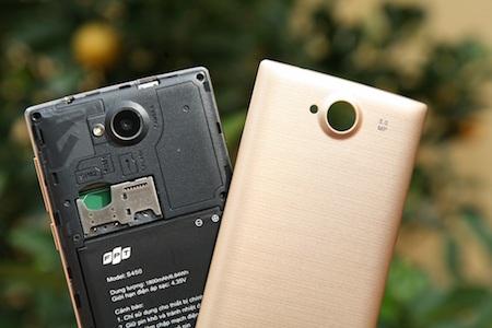 Sản phẩm hỗ trợ 2 khe cắm SIM, pin dung lượng 1800mAh