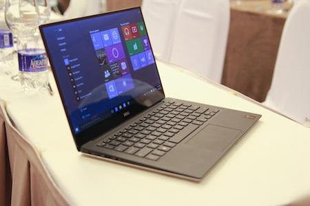 Viền mỏng giúp màn hình trở nên rộng hơn so với các dòng laptop 13 inch khác.