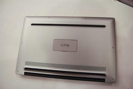 Dell cho biết thời lượng pin của XPS 13 2015 lên tới 15 giờ sử dụng.