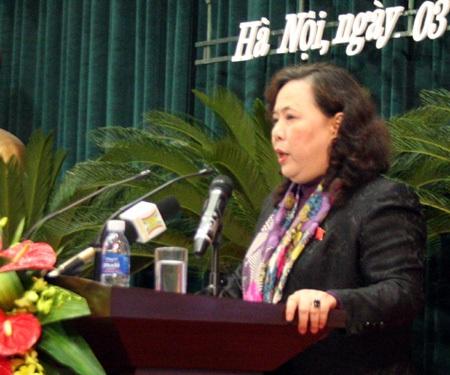 Phó Chủ tịch UBND Hà Nội Nguyễn Thị Bích Ngọc đã yêu cầutrả lại tiền lạm thu cho phụ huynh.
