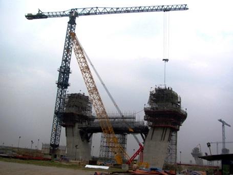 Cầu Nhật Tânkhi hoàn thành sẽ đóng vai trò quan trọng đối với kinh tế - xã hội của Hà Nội