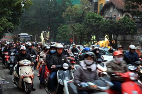 Hà Nội giao các đơn vị liên quan thu phí bảo trì đường bộ đối với xe máy theo đúng quy định