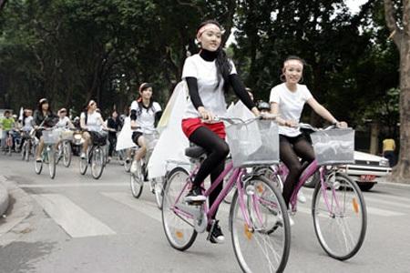 Xe đạp không đáp ứng được nhu cầu đi lại ở xã hội hiện nay