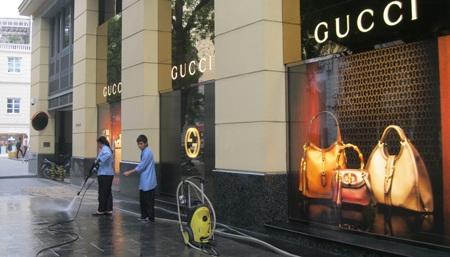 Cửa hàng kinh doanh Gucci - Milano (Ảnh: Thông Chí)