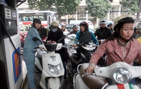 Cùng với việc giải tỏa, Hà Nội cũng sẽ xây thêm nhiều cửa hàng xăng dầu mới