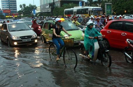 Theo Sở Công thương Hà Nội, xe đạp là giải pháp giảm ùn tắc giao thông