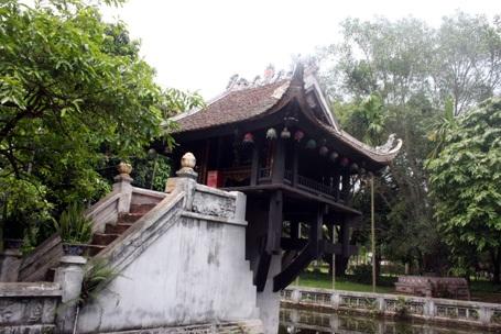 Mưa là khu vực chùa Một Cột bị ngập