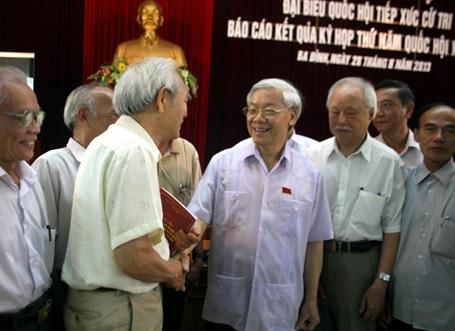Tổng Bí thư Nguyễn Phú Trọng tiếp xúc cử tri quận Ba Đình