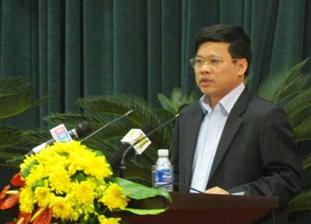 Giám đốc Sở Kế hoạch và Đầu tư Hà Nội Ngô Văn Quý trả lời chất vấn