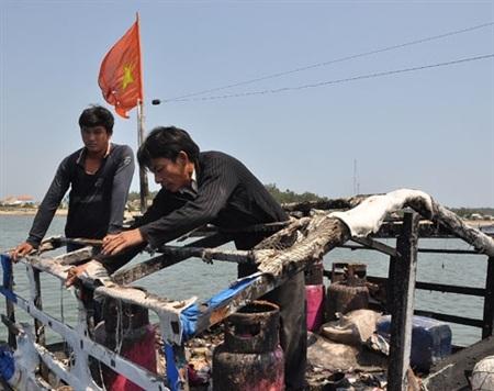 Ngư dân Việt Nam liên tục bị tàu Trung Quốc ngăn cản khi đánh bắt trên biển Đông