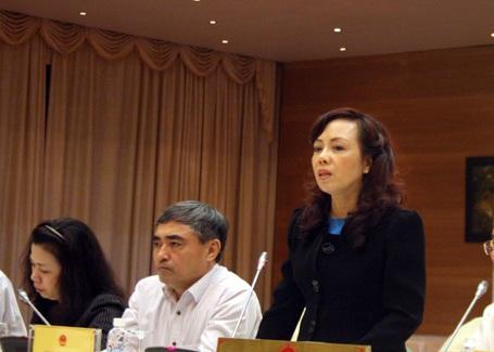 Bộ trưởng Bộ Y tế Nguyễn Thị Kim Tiến trả lời báo chí