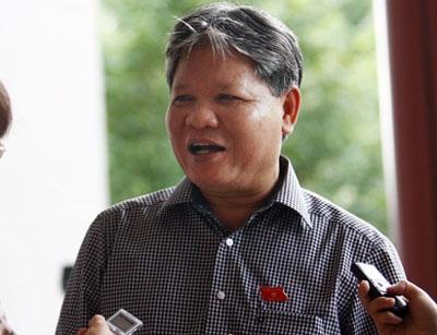 Theo Bộ trưởng Bộ Tư pháp Hà Hùng Cường, giấy khai sinh nên được duy trì như hiện nay
