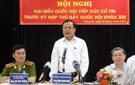 Bí thư Thành ủy Hà Nội tiếp xúc cử tri quận Đống Đa trước kỳ họp Quốc hội