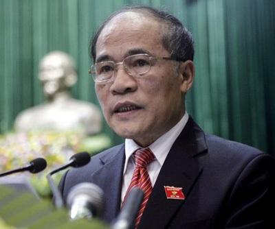 Chủ tịch Quốc hội Nguyễn Sinh Hùng yêu cầu xây dựng Nghị quyết phải sát với thực tế (Ảnh Việt Hưng)
