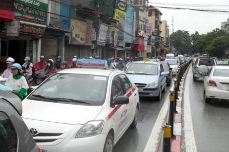 Taxi trên địa bàn Hà Nội sẽ được cấp phù hiệu mang màu sắc riêng