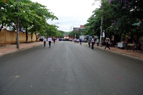 Các tuyến đường hướng đến sân vận động được phong tỏa phục vụ