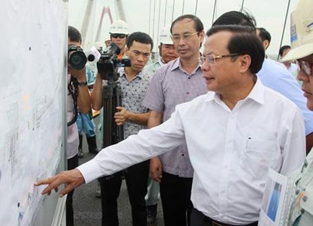 Bí thư Thành ủy Hà Nội Phạm Quang Nghị kiểm tra tiến độ cầu Nhật Tân