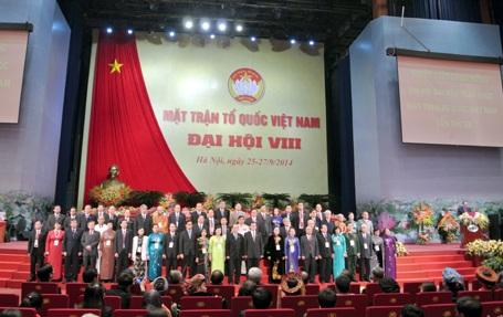 Đoàn chủ tịch Trung ương Mặt trận Tổ quốc Việt Nam khóa 8 ra mắt Đại hội