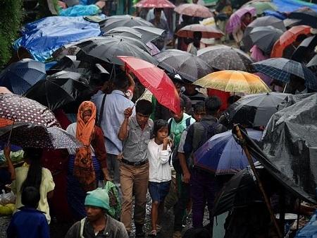 Du khách đến tham Mawsynram chắc chắn sẽ cần mang theo một chiếc ô hoặc thậm chí là một vài chiếc