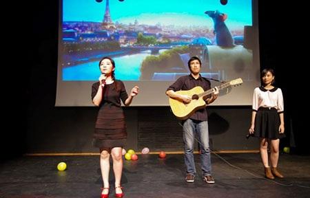 Tiết mục trình diễn bài hát Le Festin trong bộ phim hoạt hình Ratatouille