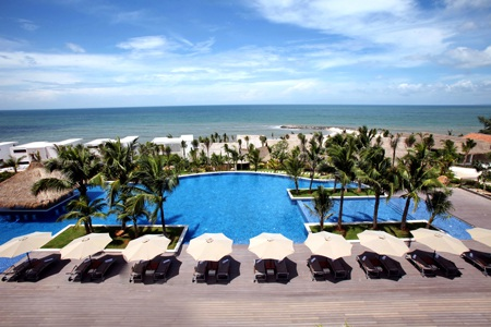 Đón Giáng sinh và năm mới rộn ràng bên bờ biển đẹp nhất Đông Nam Á