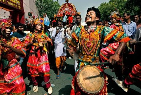 Khám phá lễ rước xe thánh ở xứ sở Hindu